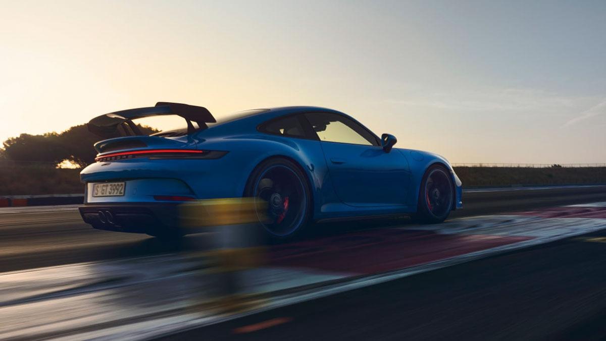 992-Porsche-911-GT3-14