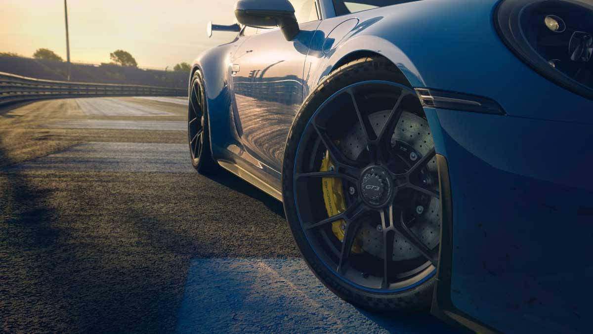 992-Porsche-911-GT3-21