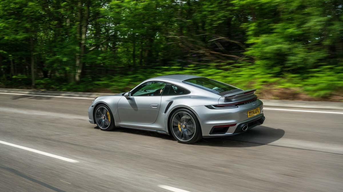 992-Porsche-911-Turbo-S-2