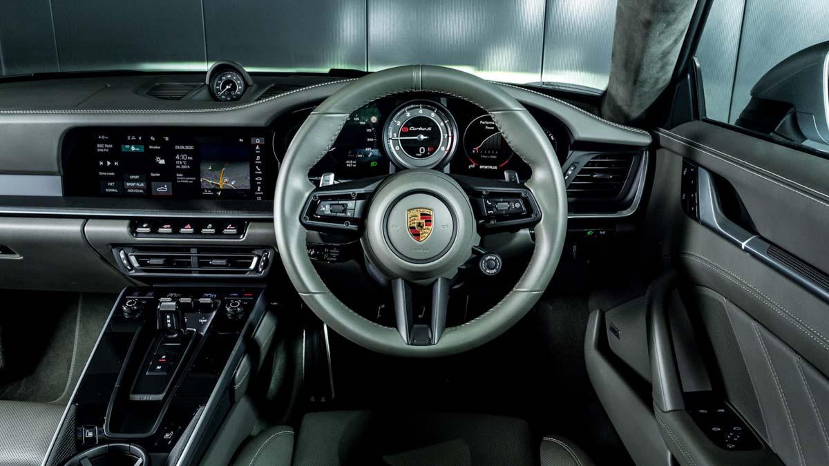 992-Porsche-911-Turbo-S-5