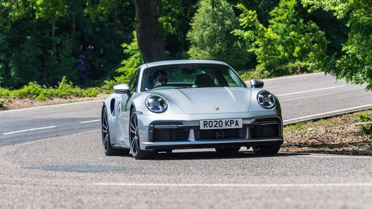 992-Porsche-911-Turbo-S-7
