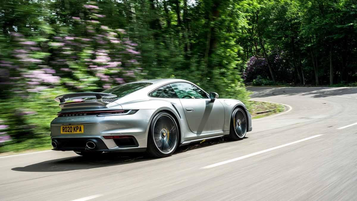 992-Porsche-911-Turbo-S-8