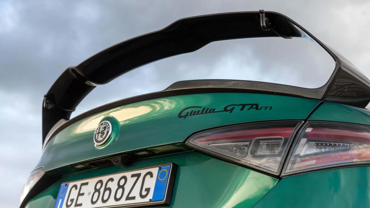 Alfa-Giulia-GTAm-4