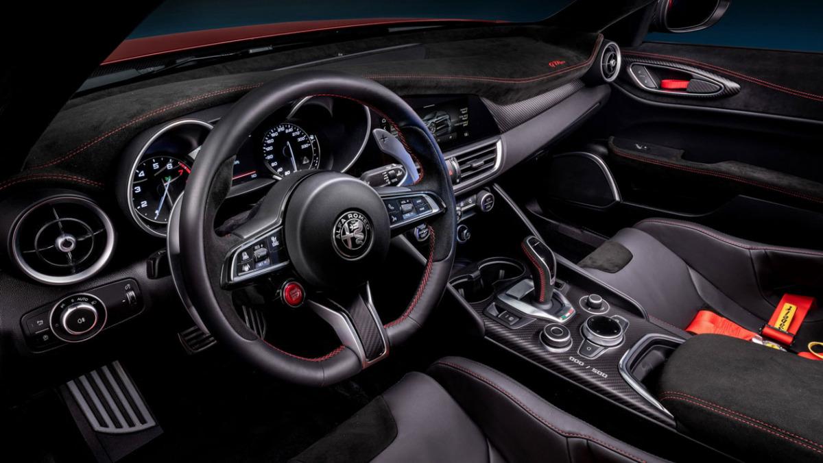 Alfa-Romeo-Giulia-GTA-17