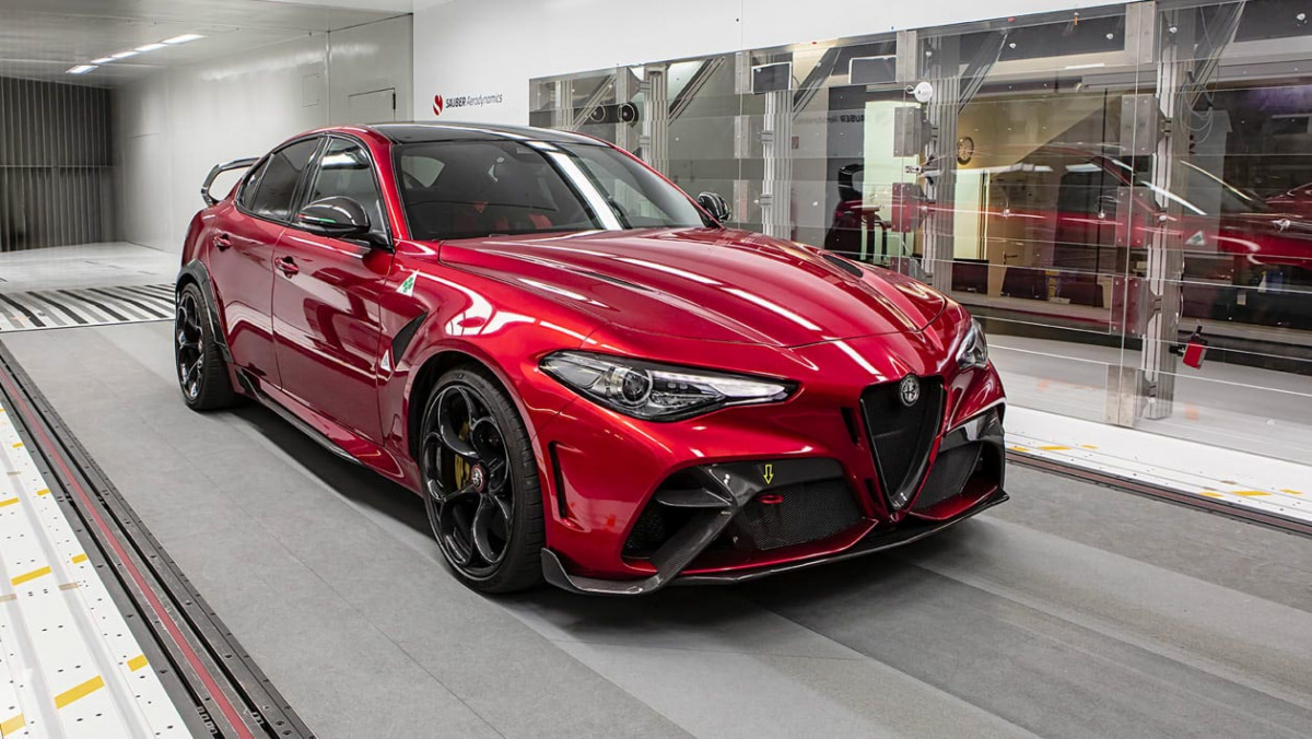 Alfa-Romeo-Giulia-GTA-21