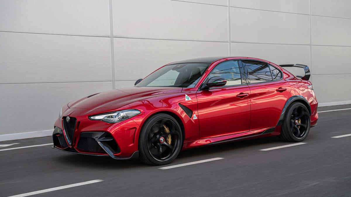 Alfa-Romeo-Giulia-GTA-and-GTAm-2