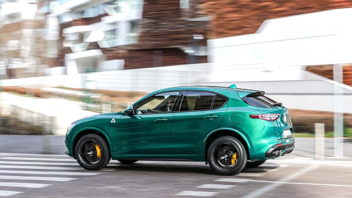 Alfa-Romeo-Stelvio-Quadrifoglio-2