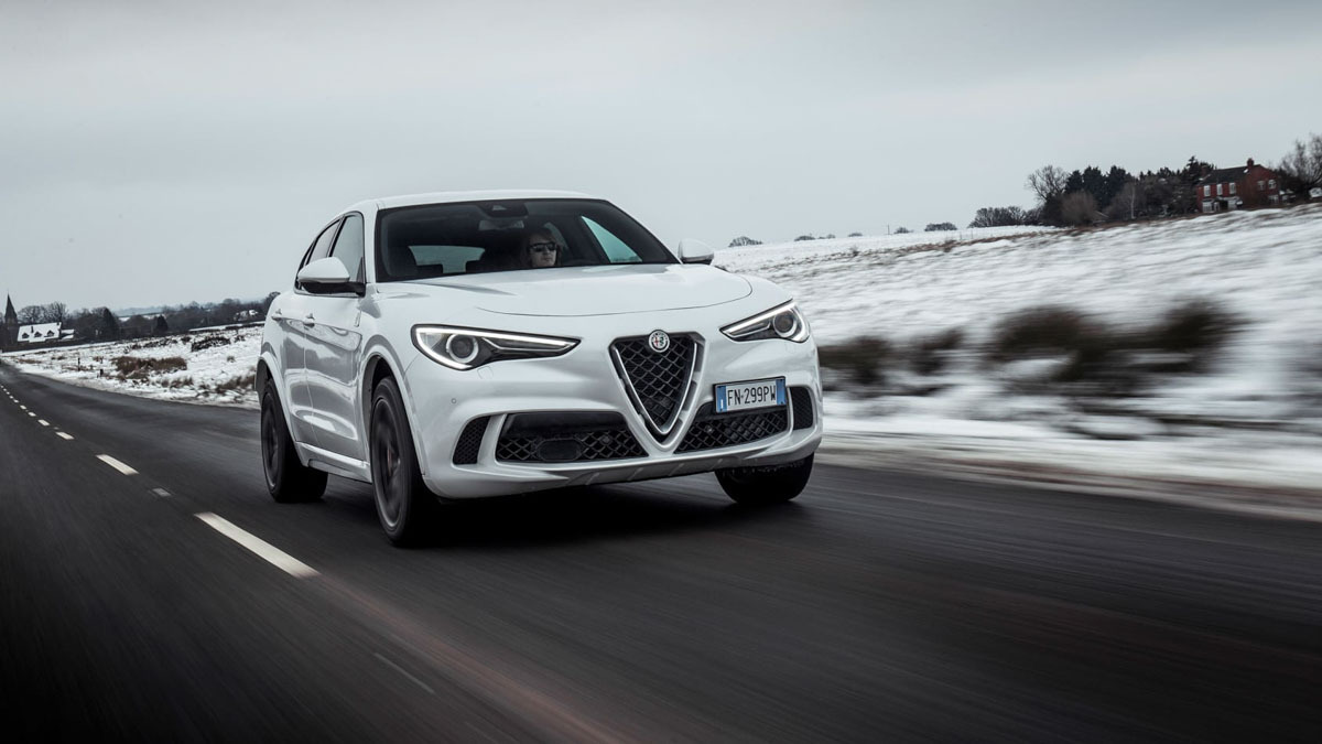 Alfa-Romeo-Stelvio-Quadrifoglio-10