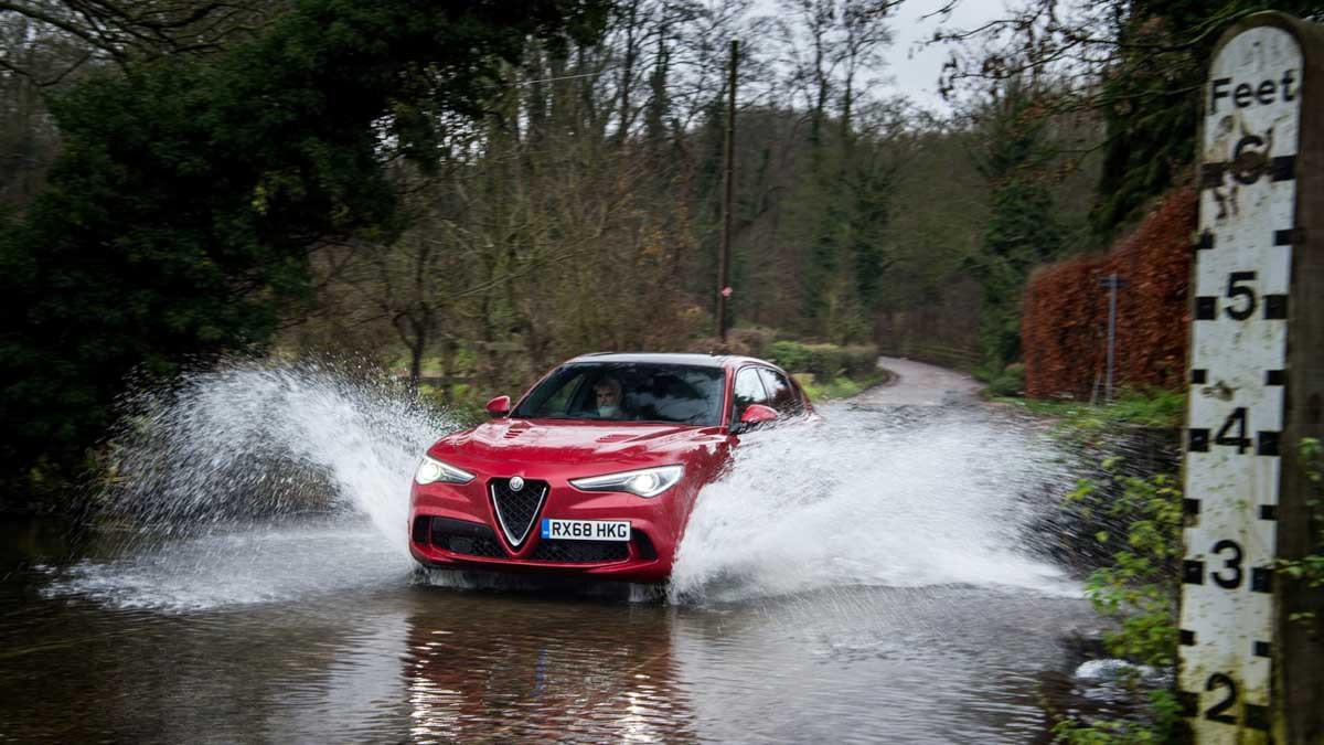 Alfa-Romeo-Stelvio-Quadrifoglio-12