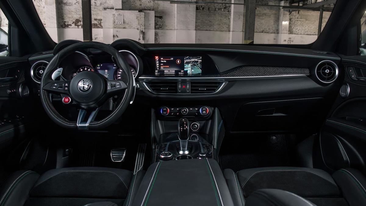 Alfa-Romeo-Stelvio-Quadrifoglio-13