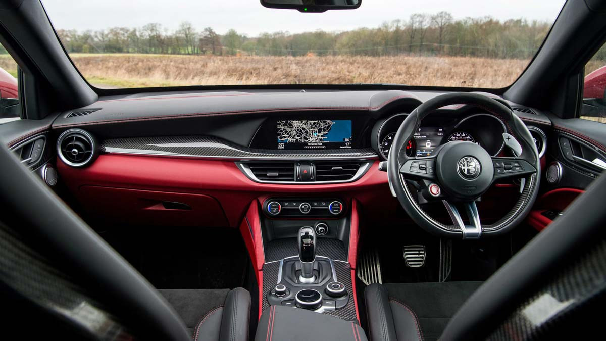 Alfa-Romeo-Stelvio-Quadrifoglio-9