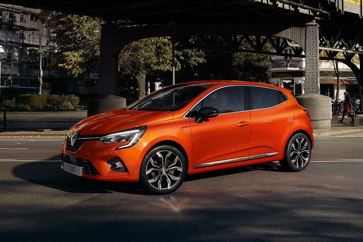 all new 2019 renault clio revealed to rival next peugeot 208. Black Bedroom Furniture Sets. Home Design Ideas