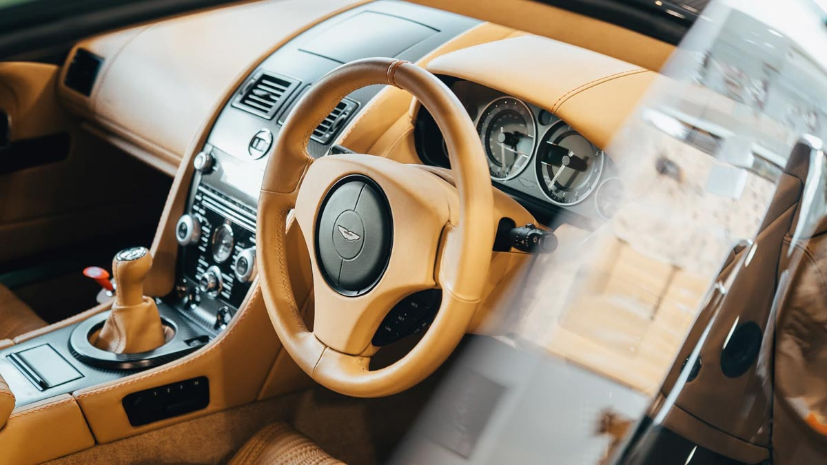 Aluminium-Bodied-Aston-Martin-V12-10