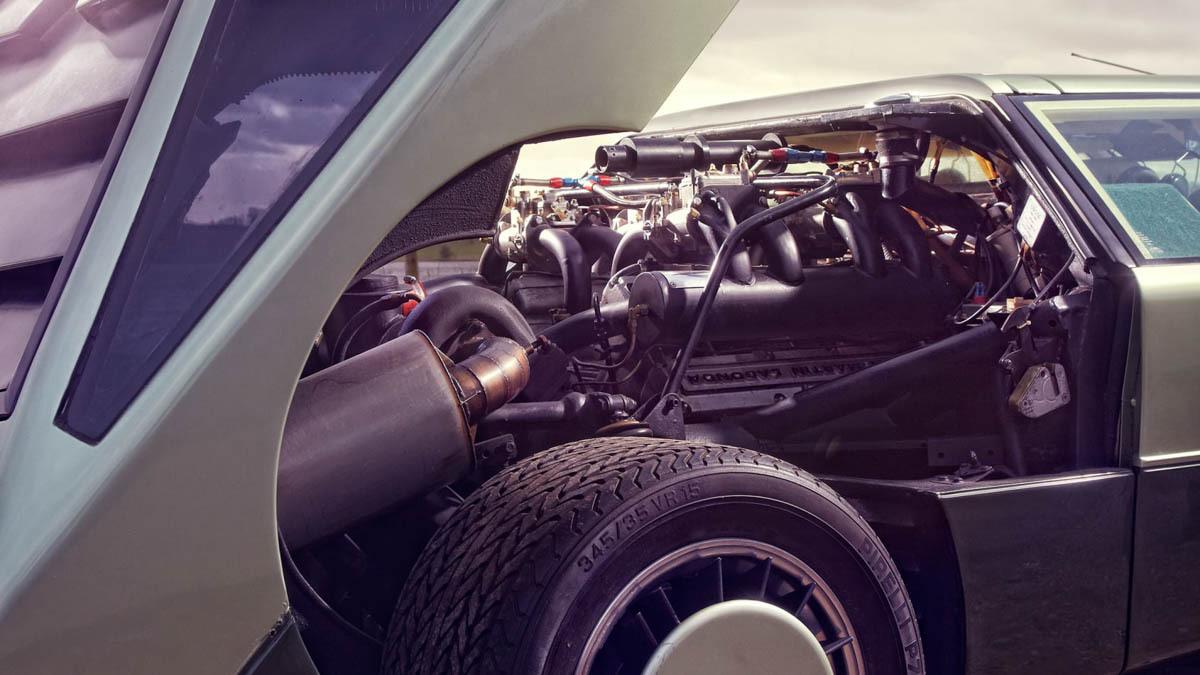 Aston-Martin-Bulldog-12