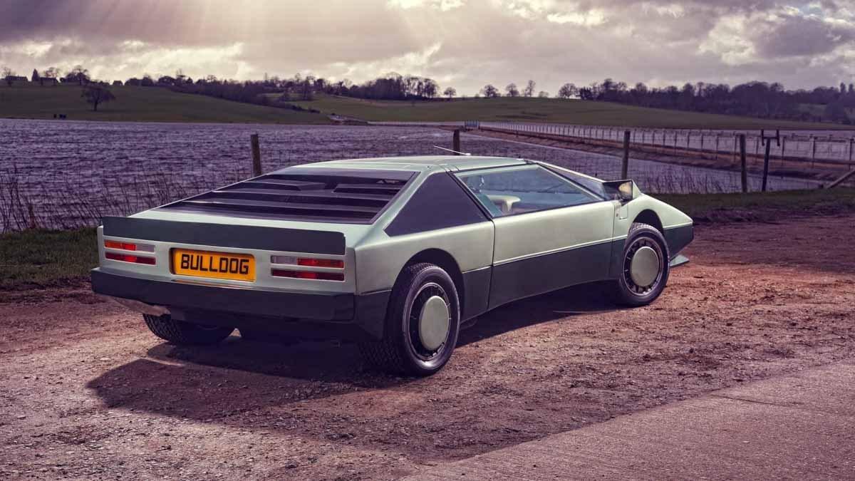 Aston-Martin-Bulldog-9