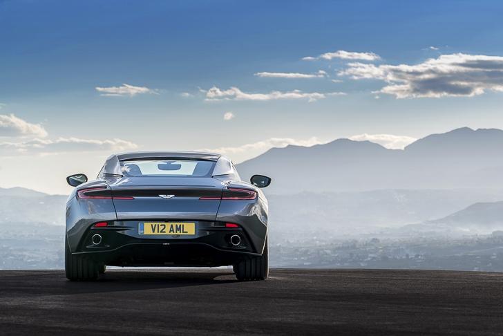 Aston Martin DB11 17