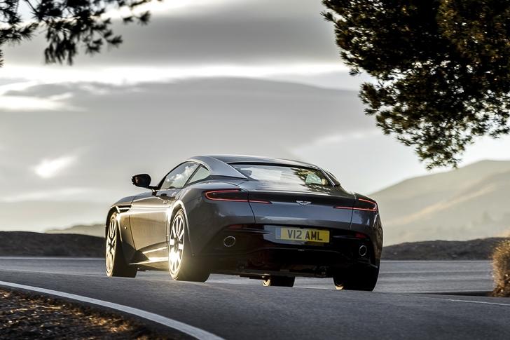 Aston Martin DB11 06