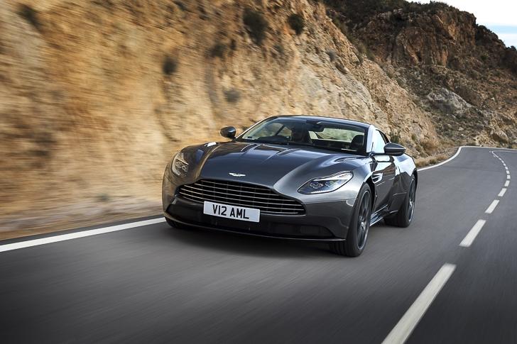 Aston Martin DB11 10