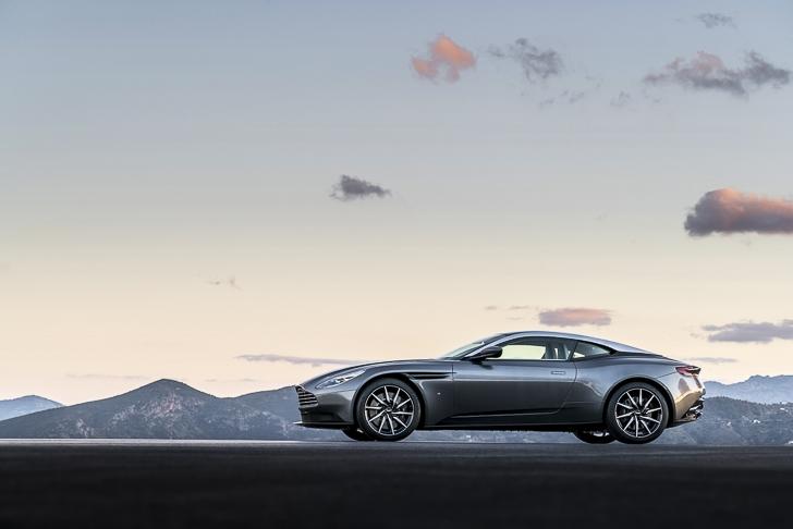 Aston Martin DB11 01