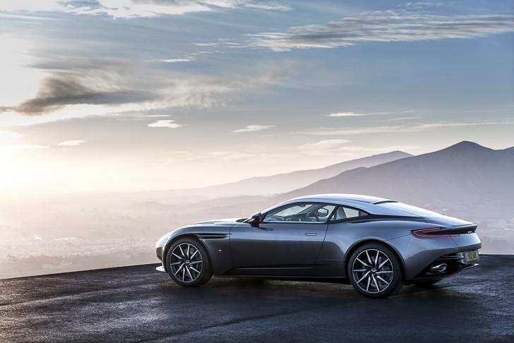 Aston Martin DB11 14