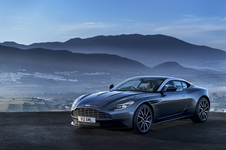 Aston Martin DB11 15