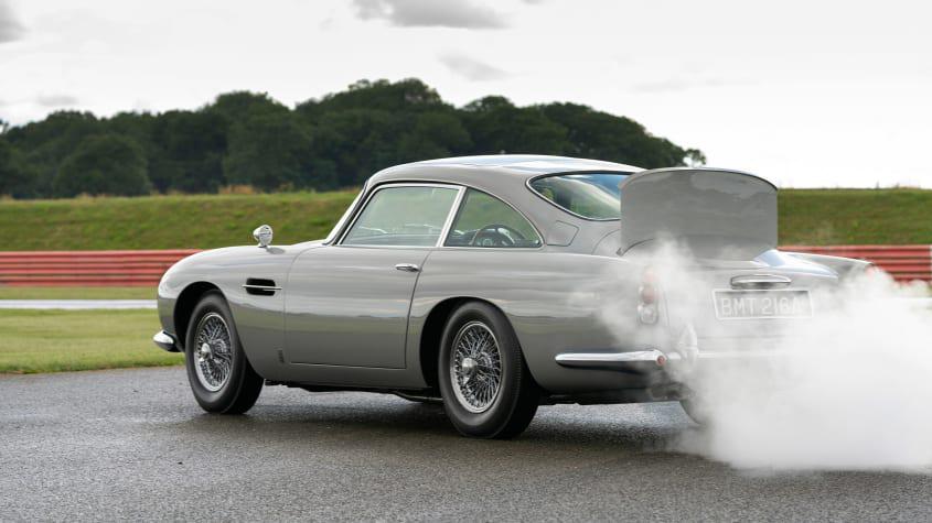 Aston-Martin-DB5-Goldfinger-continuation-1