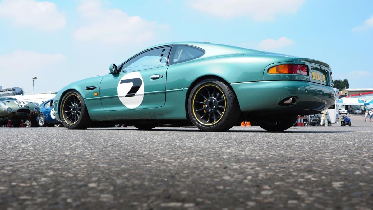 Aston-Martin-DB7-GT-3