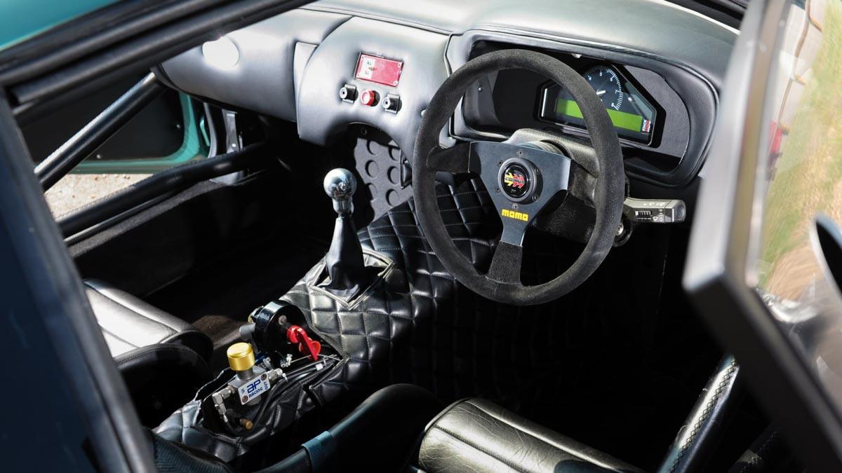 Aston-Martin-DB7-GT-4