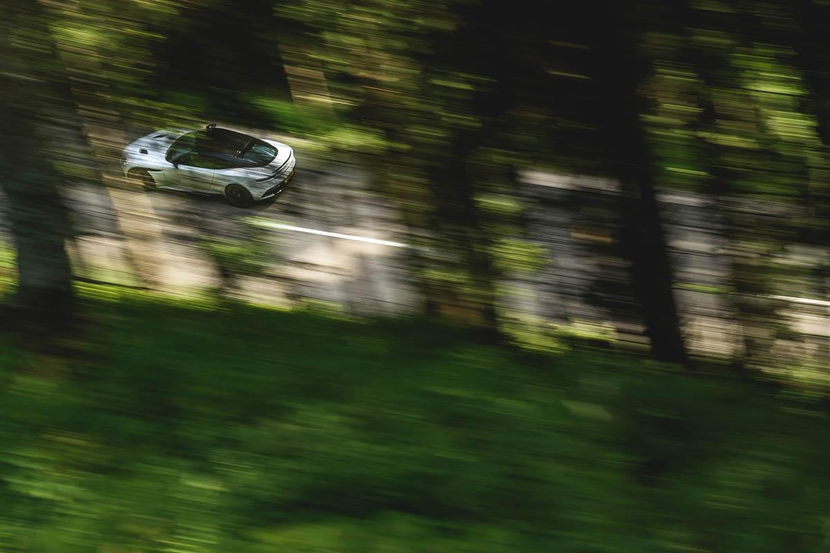 Aston-Martin-DBS-Superleggera-17
