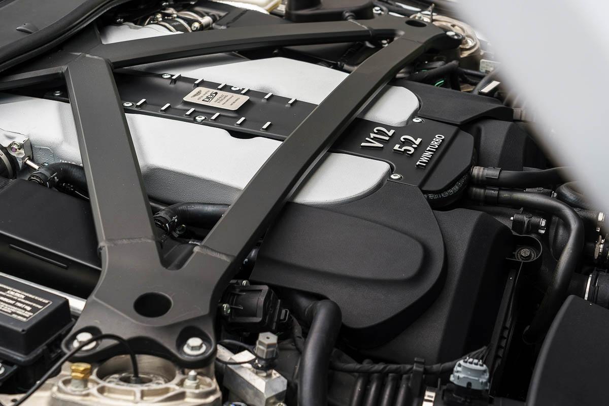 Aston-Martin-DBS-Superleggera-19