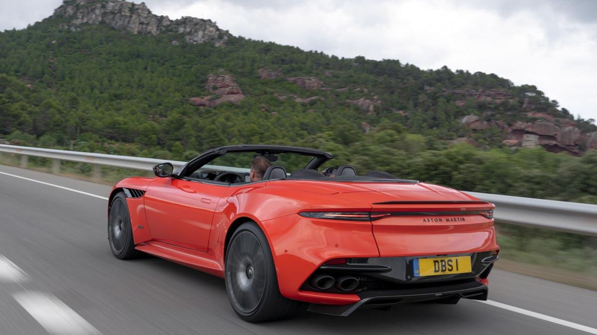 Aston-Martin-DBS-Superleggera-Volante-2020-review-12