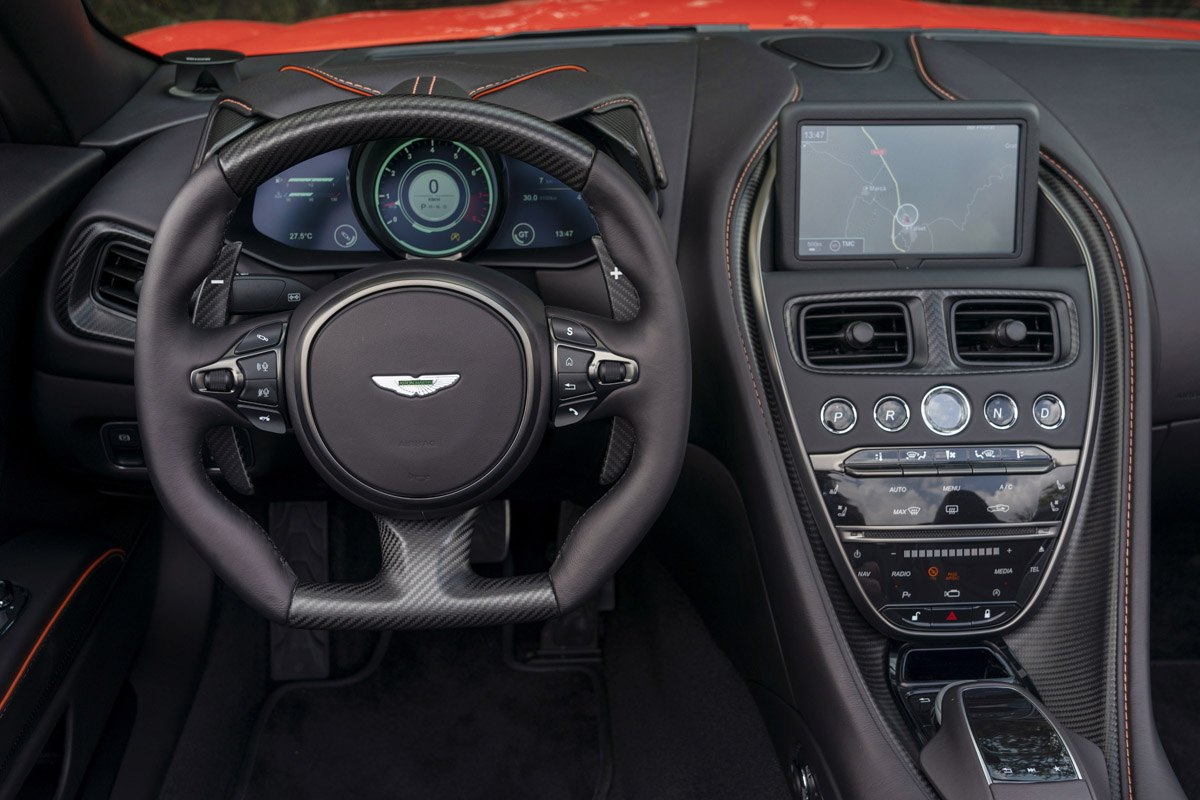 Aston-Martin-DBS-Superleggera-Volante-3