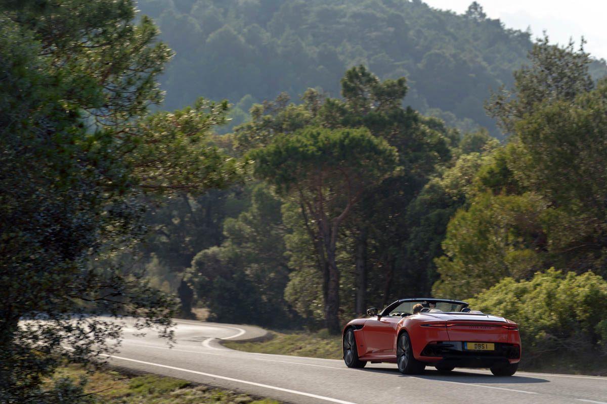 Aston-Martin-DBS-Superleggera-Volante-5
