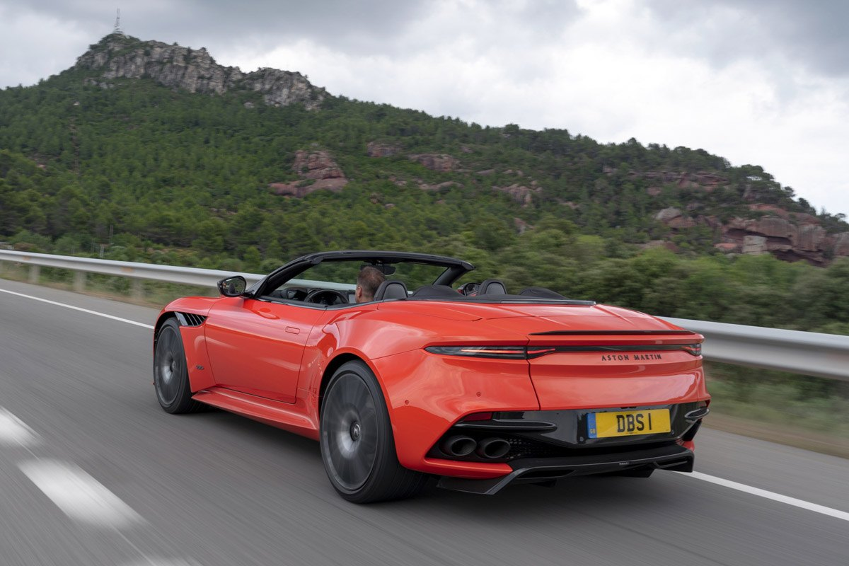 Aston-Martin-DBS-Superleggera-Volante-7
