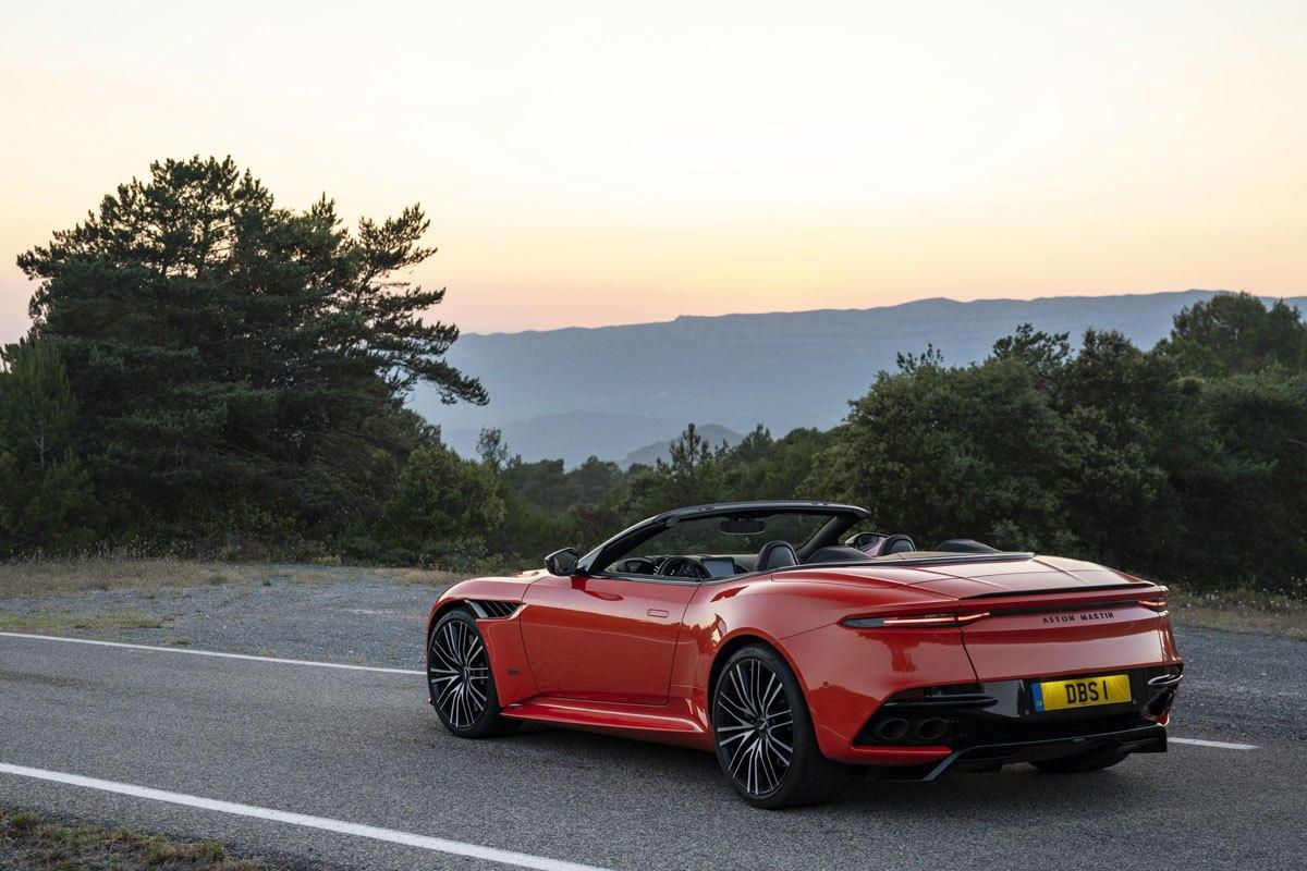 Aston-Martin-DBS-Superleggera-Volante-9