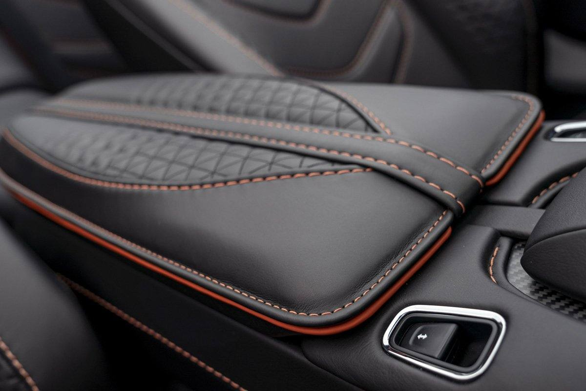 Aston-Martin-DBS-Superleggera-Volante-12