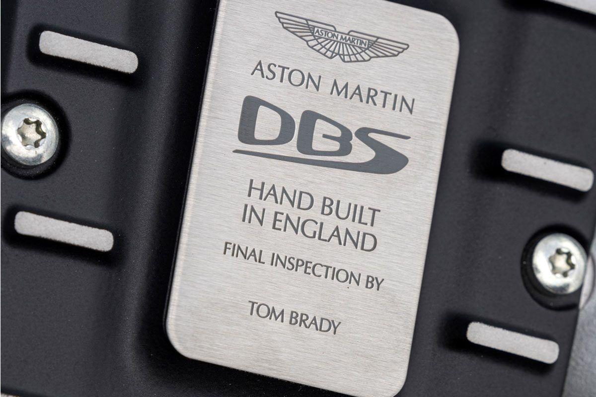 Aston-Martin-DBS-Superleggera-Volante-13