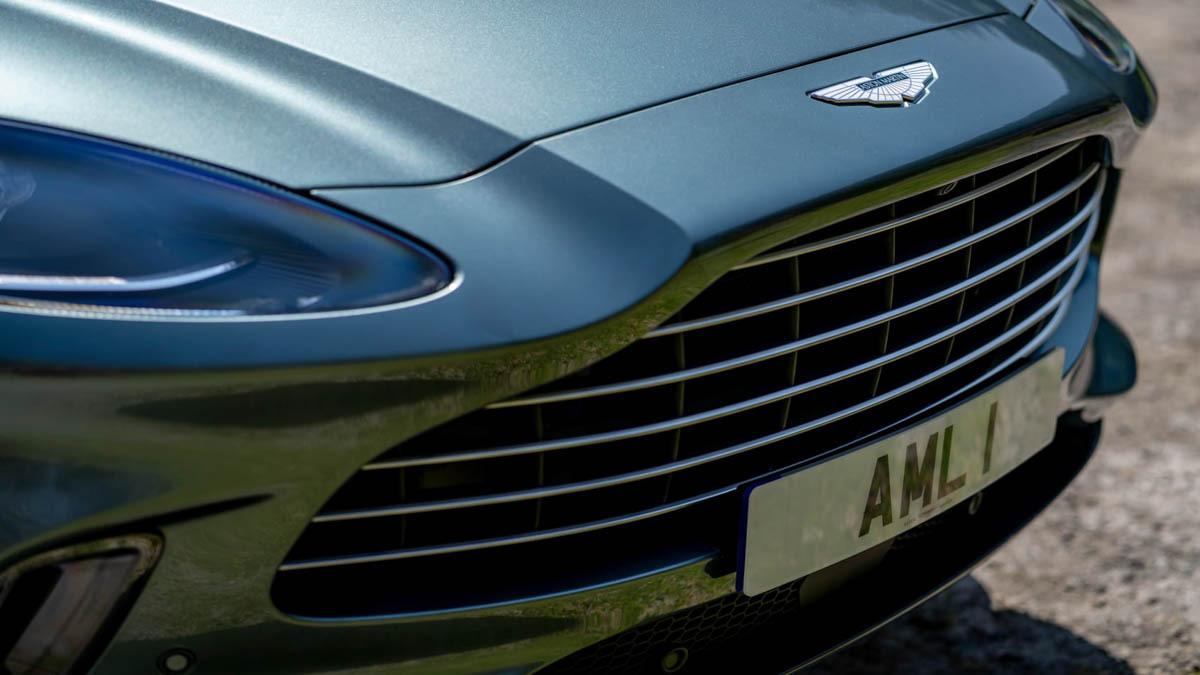 Aston-Martin-DBX-5