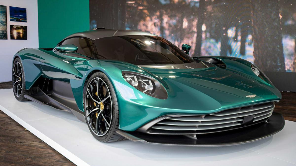 Aston-Martin-Valhalla-1