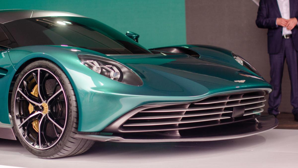 Aston-Martin-Valhalla-4
