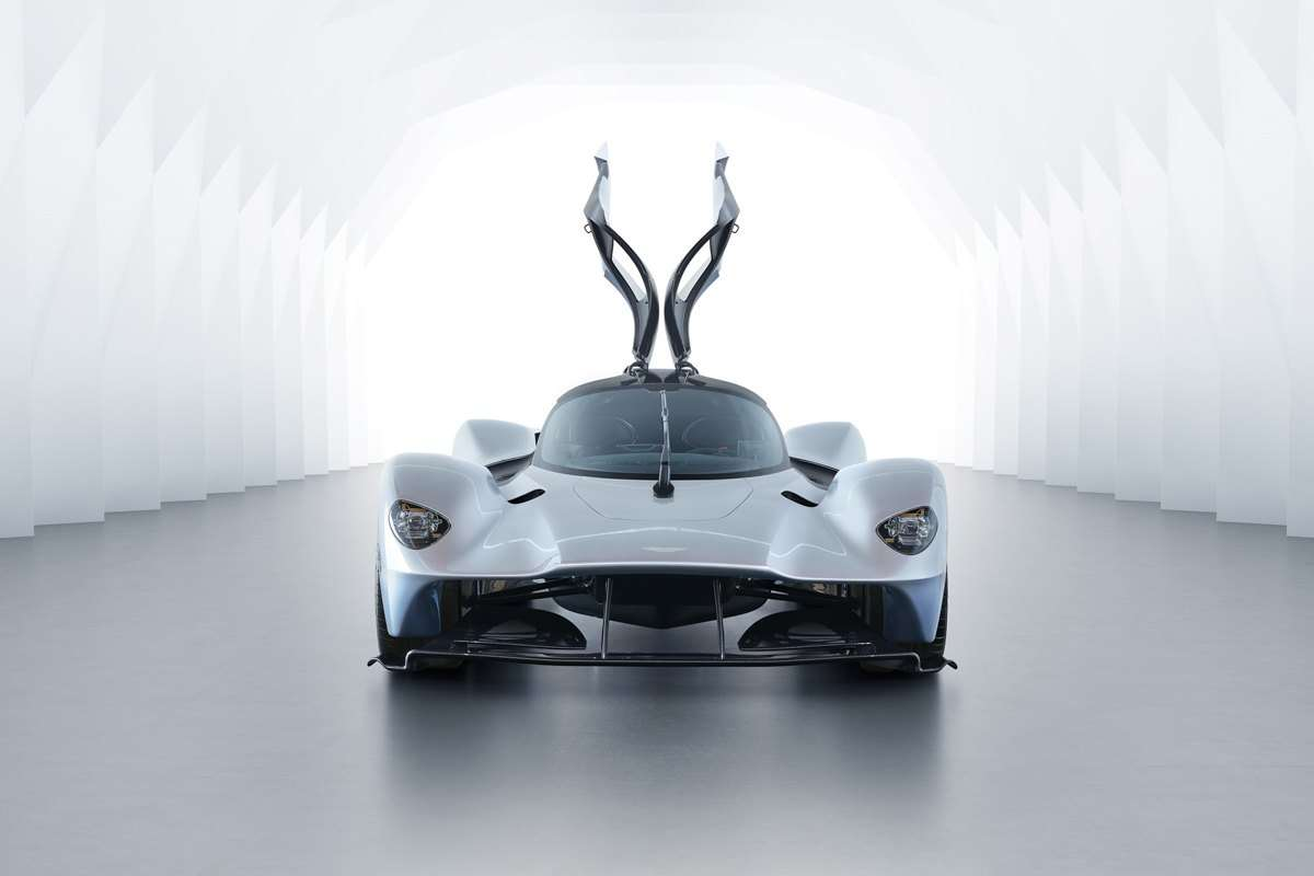 Aston-Martin-Valkyrie-Track-6