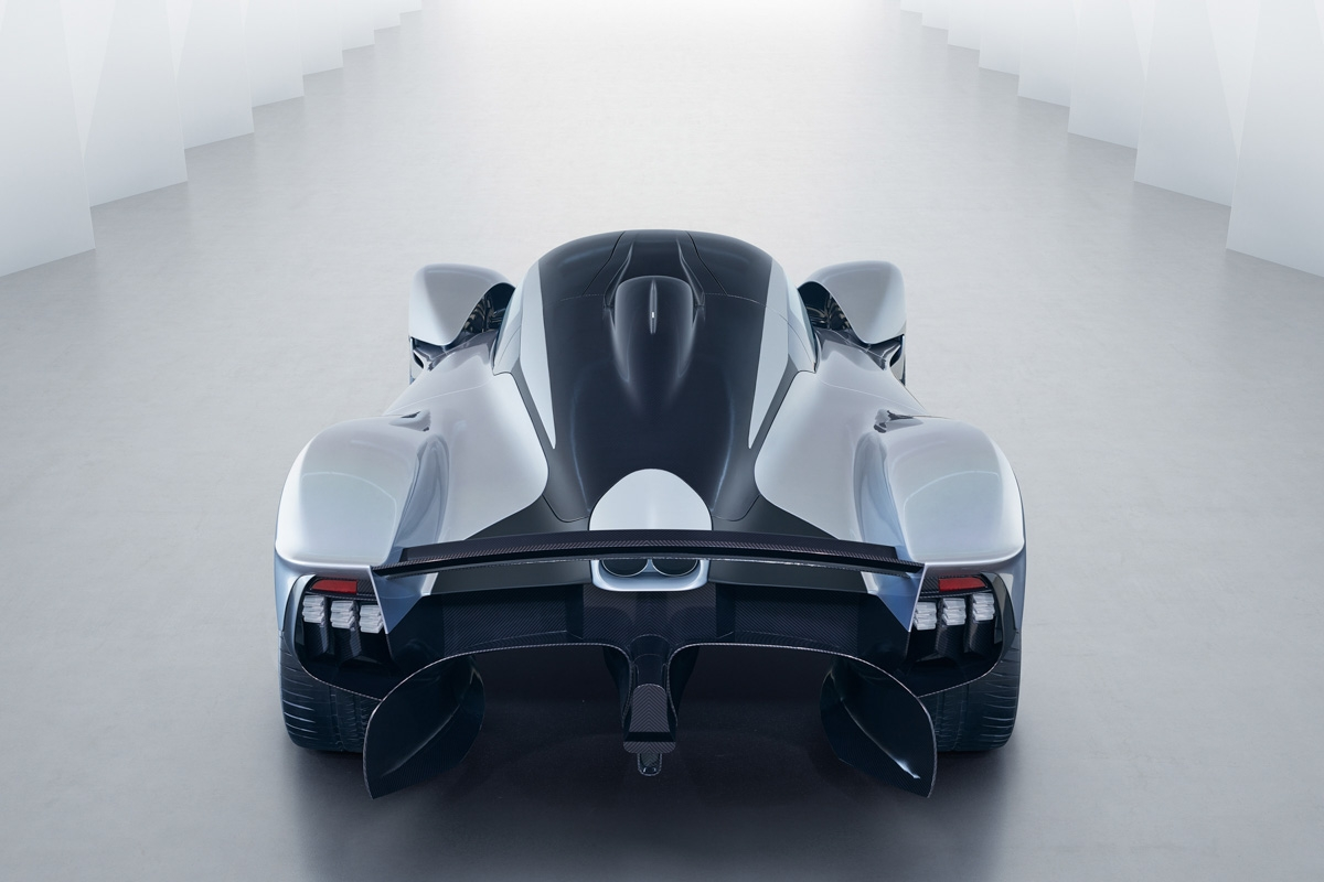 Aston Martin Valkyrie-13