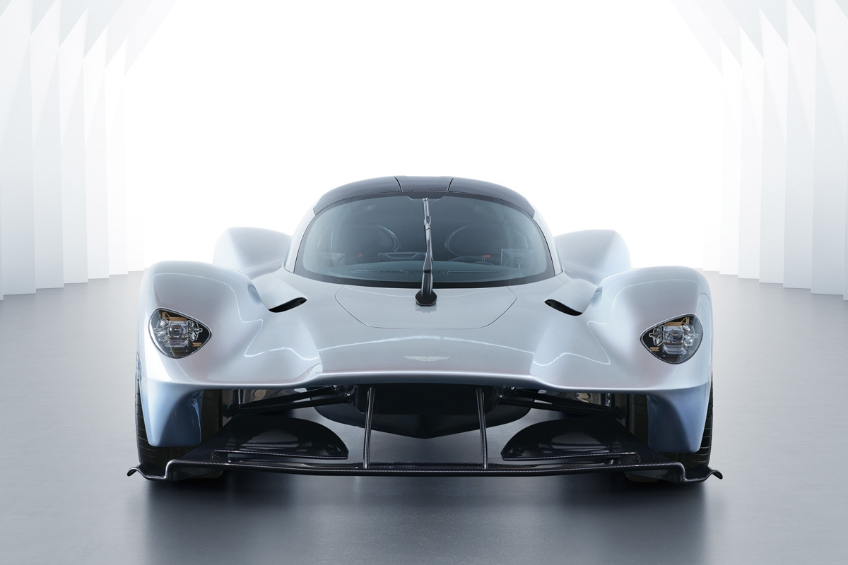 Aston Martin Valkyrie-16