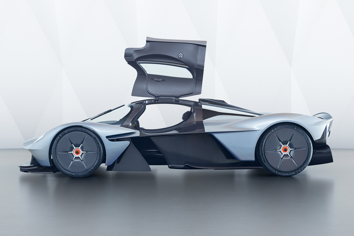 Aston Martin Valkyrie-18