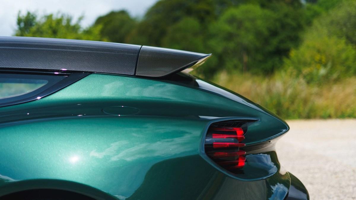 2019-Aston-Martin-Vanquish-Zagato-Shooting-Brake-14