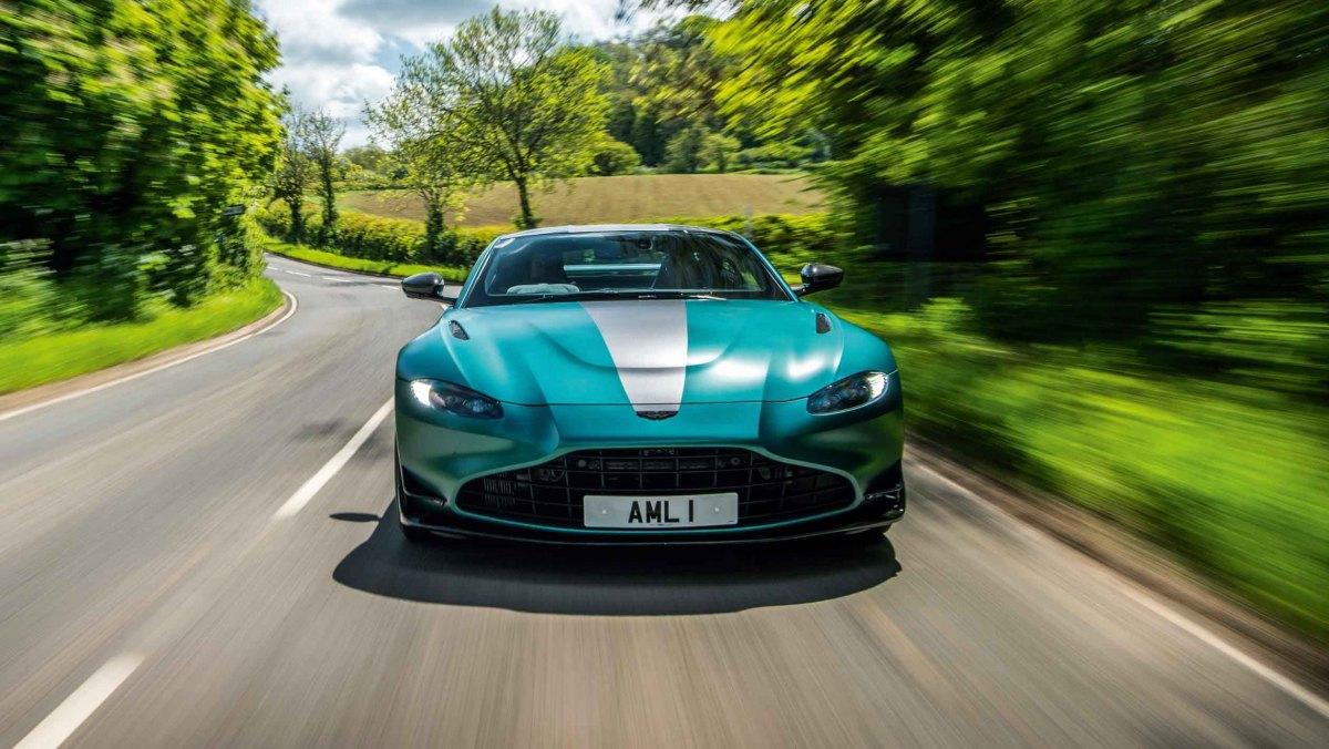 Aston-Martin-Vantage-F1-Edition-12