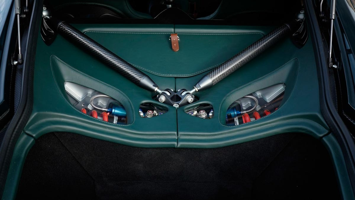 Aston-Martin-Victor-11
