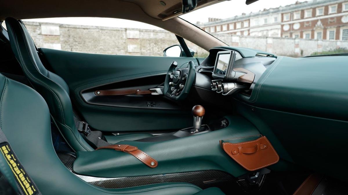 Aston-Martin-Victor-3