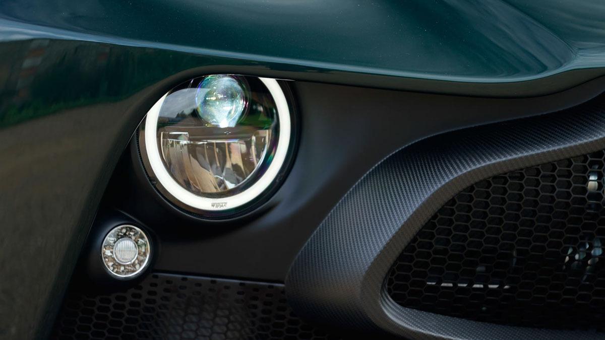 Aston-Martin-Victor-9