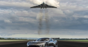 Aston Martin Vulcan vs Vulcan XH558